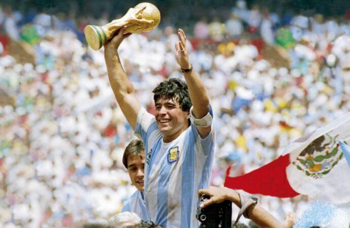 Fallece, Diego Armando Maradona